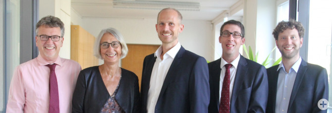 Schulleitungsteam - von links: Herr Dr. Hauf, Frau Schubert, Herr Dr. Wörle-Knirsch, Herr Droste und Herr Laupp